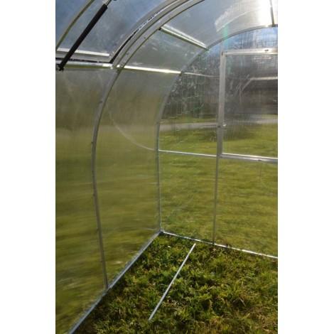 Opěrná síť pro pěstování okurek